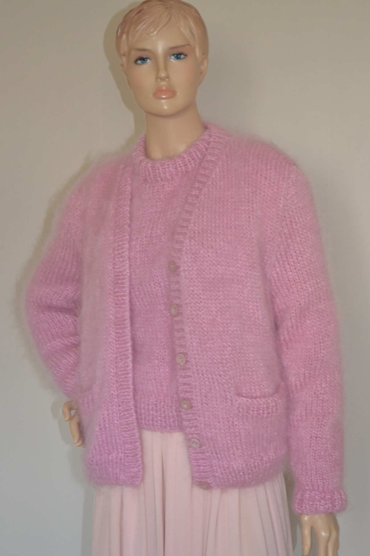Light Pink And Gold Bedroom Decor: Light Pink Sweater And Cardigan