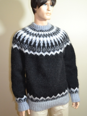 Hunky mohair and wool crewneck Icelandic sweater black -XL