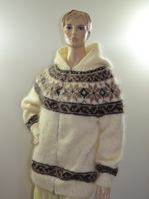 Icelandic mohair cardigan with hood and zipper