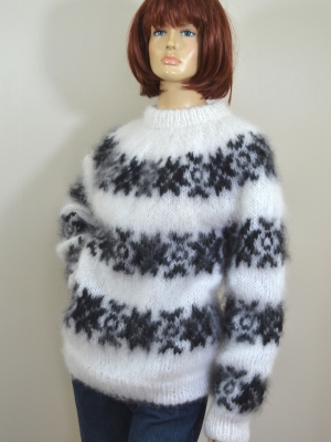 INGENUA mohair sweater white