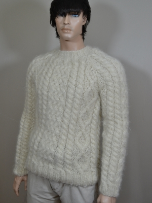 100%mohair hand knitted Aran sweater -cream