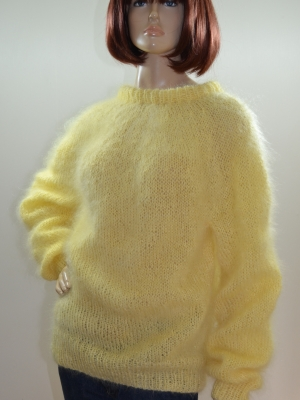 Thin mohair crewneck sweater-light yellow