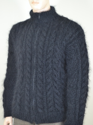 Black thick cableknitted Aran mohair sweater with zipper-L
