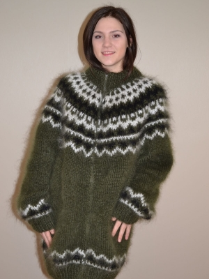 Icelandic mohair sweater with zipper- mossy green