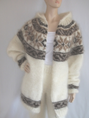 Icelandic mohair cardigan with hood and zipper and pants