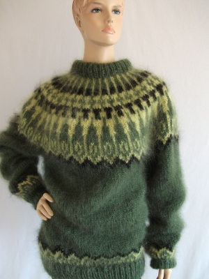 Mossy green Icelandic mohair sweater-L