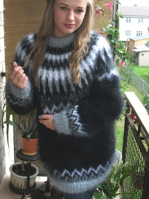 Arctic Ocean mohair  crewneck sweater black- One size