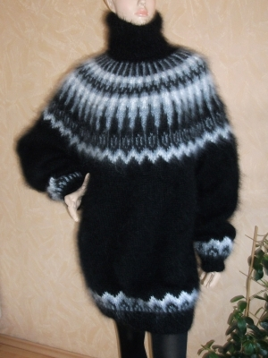Arctic Ocean turtleneck mohair sweater black- One size