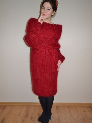 MOHAIR AND ANGORA DRESS CHERRY