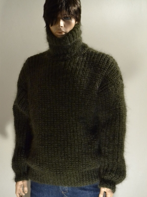 Thick Swedish style sweater -mossy green