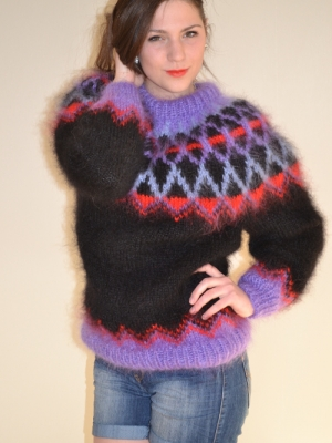 Icelandic mohair sweater black and striking-L