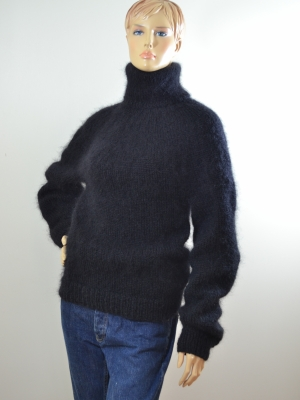 Thick mohair hand knitted plain style turtleneck sweater black