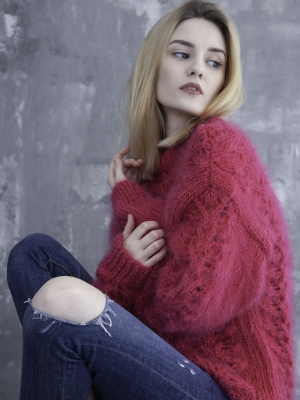 Mohair open knit fuchsia sweater M-L